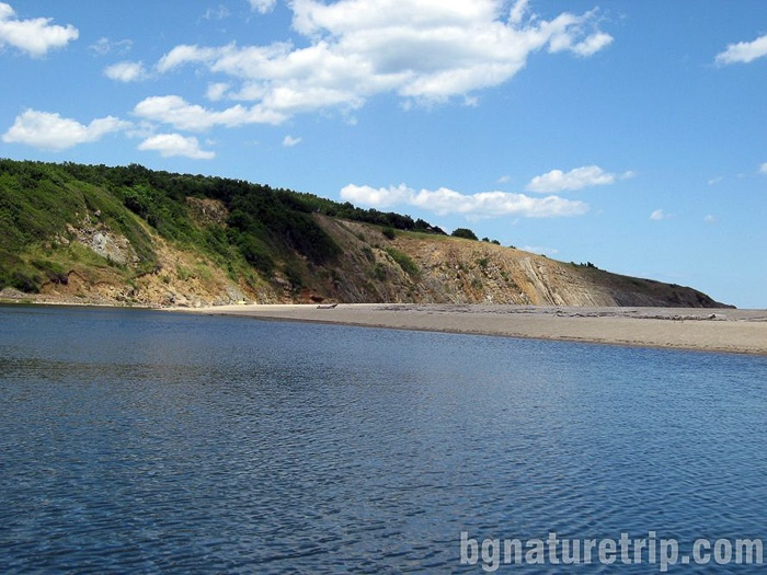 To the mouth of Veleka river