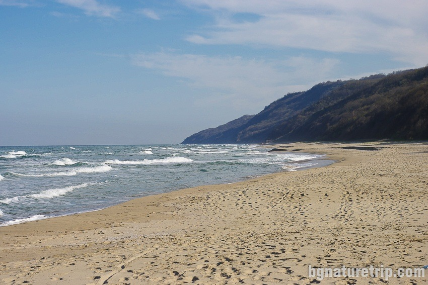 A walk on Irakli beach in south direction to Cape Emine