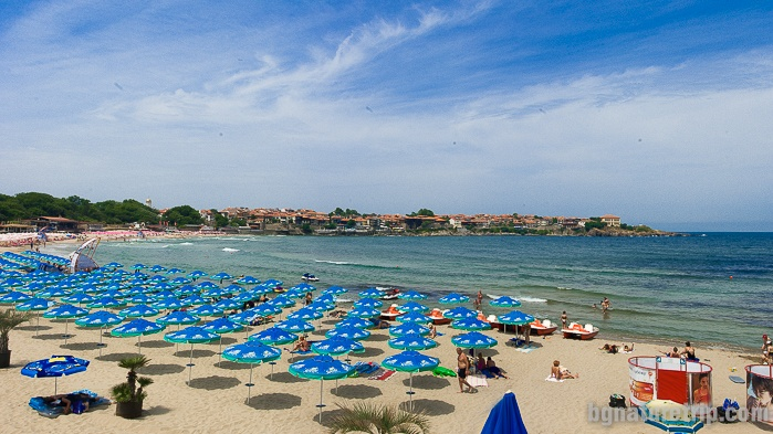 The central beach of Sozopol. It is located between the peninsula with the old houses - Skamnia and Cape Harmani, built with new buildings.