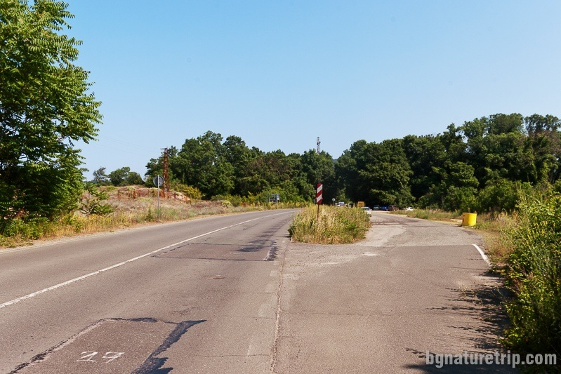 A parking lot in the right, in front of the Arkutino swamp, on the road Sozopol - Primorsko