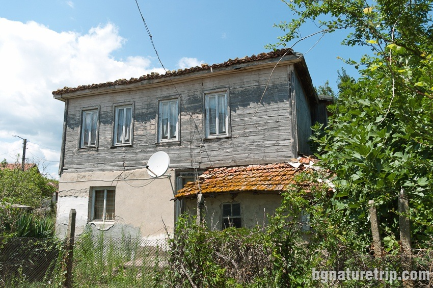 Old wooden house in Rezovo